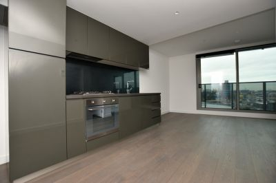 Marco: BRAND NEW One Bedroom Apartment Complete with Spacious Walk In Wardrobe!