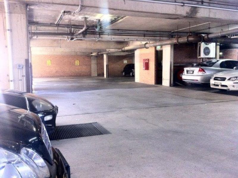 IMMACULATE OFFICE & PARKING!