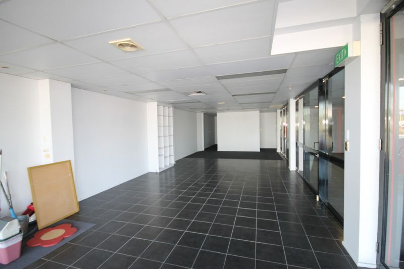Refurbished Ground Floor Office With Great Exposure