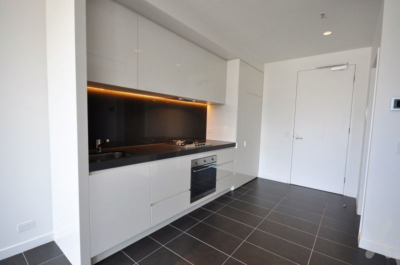 PRIVATE INSPECTION AVAILABLE - LUXURY TWO BEDROOM APARTMENT INCLUDING STORAGE CAGE & CARPARK!