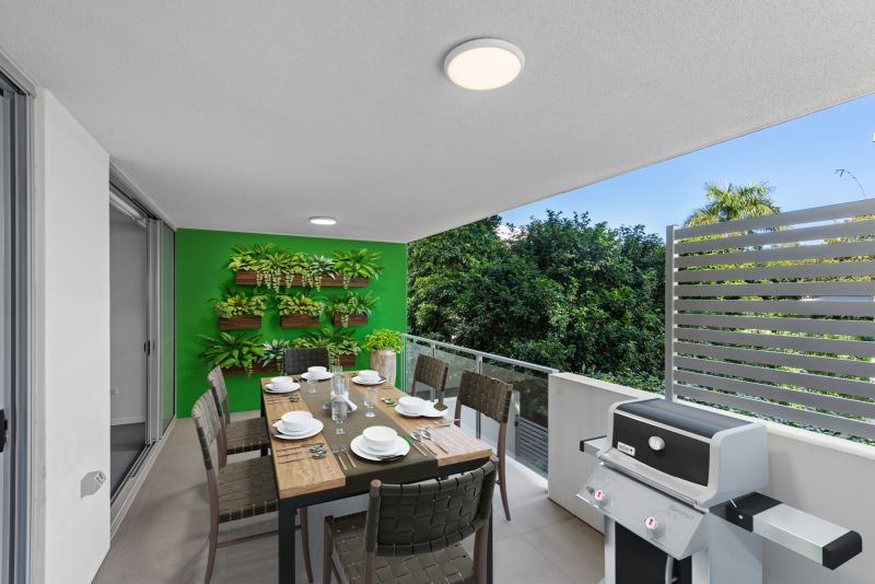 22sqm Balcony! Location! Only 28 In The Block! Be Quick!>