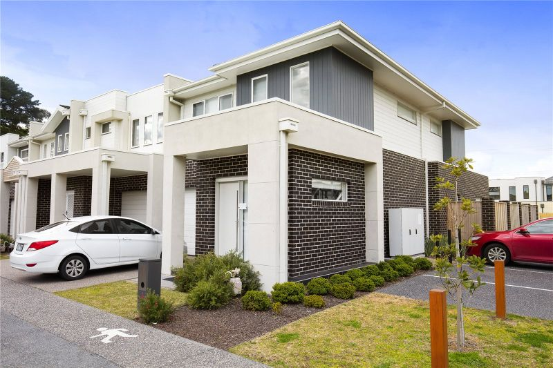 Stunning Four Bedroom Townhouse!