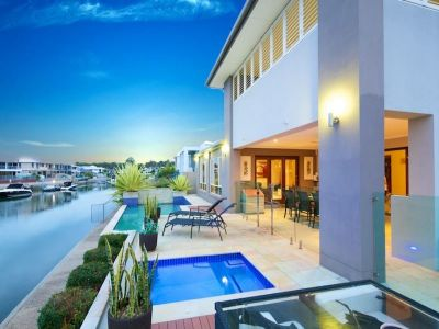 Stunning 55sq Modern Waterfront Home - Owners Downsizing