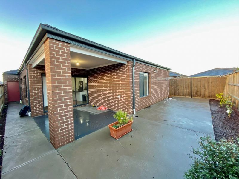 For Sale By Owner: 20 Remus Circuit, Cranbourne West, VIC 3977