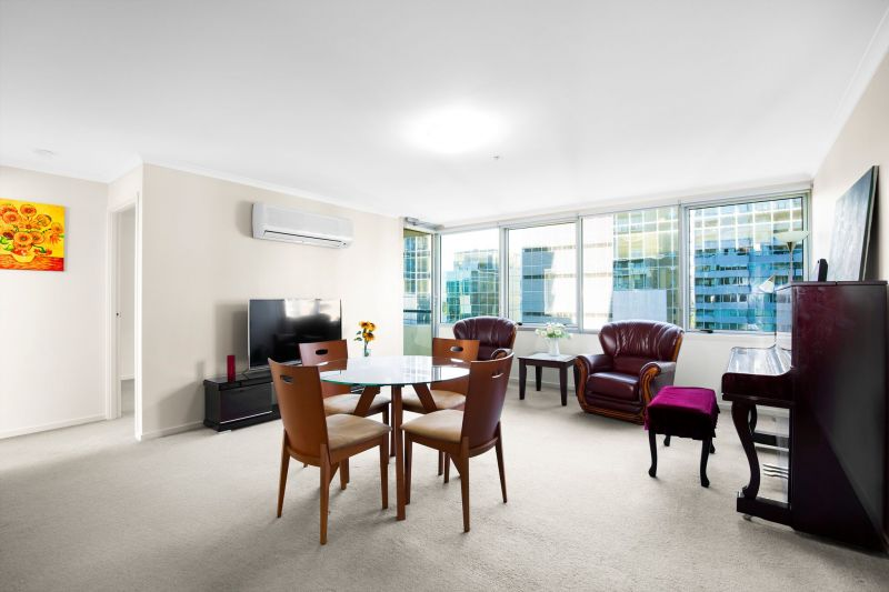 City Condos: 12th Floor - Stylish and Open St Kilda Road Living!