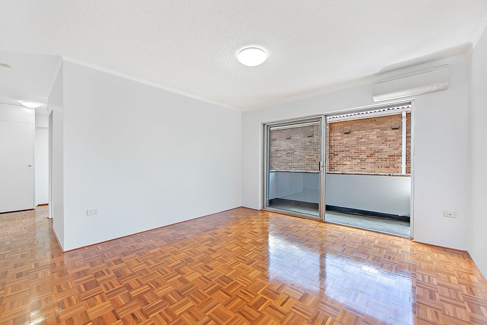 2/4 Mooney Street, Strathfield South NSW 2136