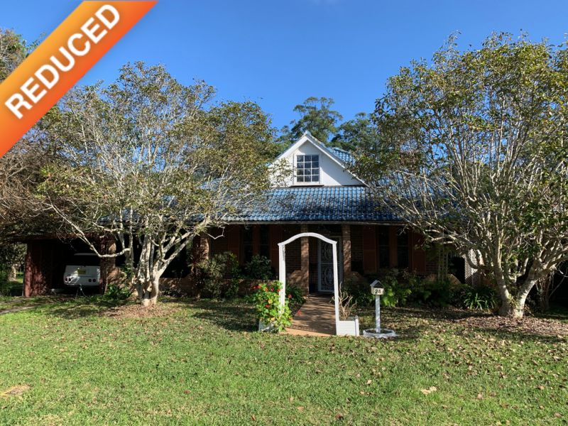 3 Bedroom Federation Style Home on 1.5 acres