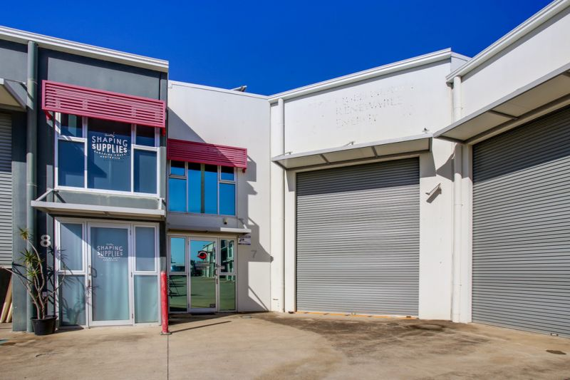 Warehouse with Quality Fitout
