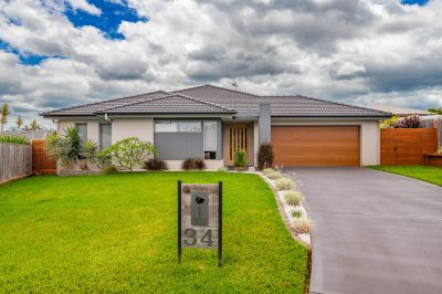 34 Ferrous Close, Port Macquarie