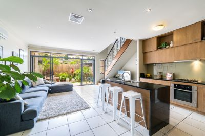 Family Sized Proportions Contemporary 2 Level Townhouse