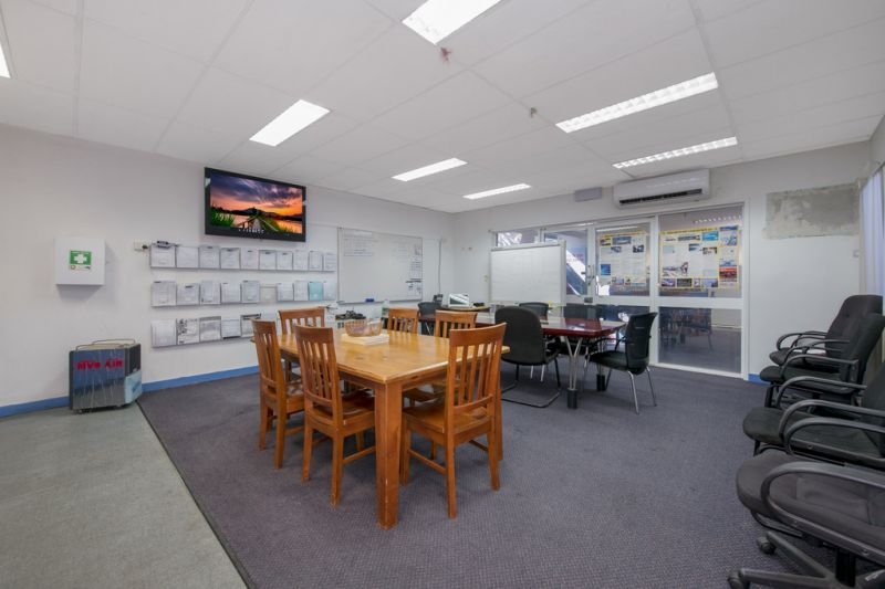 Standalone Aitkenvale Property with Flexibility to Split Into Multiple Tenancies