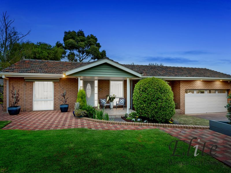 127 BUYERS,3 BIDDERS,RESERVE, $1,100,000.00  SOLD $1,270,000.00