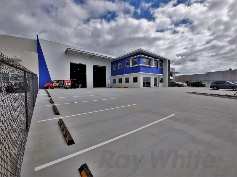 BRAND NEW 1,620sqm* FREESTANDING OFFICE/ WAREHOUSE