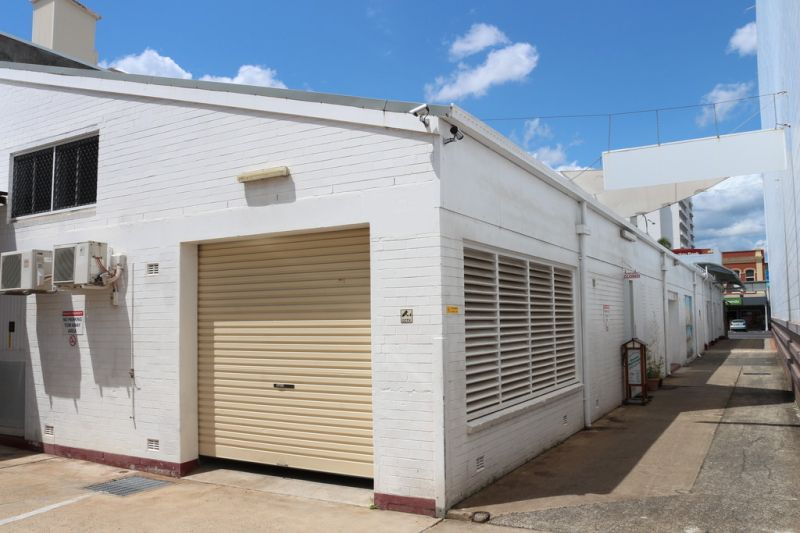 Cheap Lake Street Shop Or Office - 50 Lake Street, Cairns
