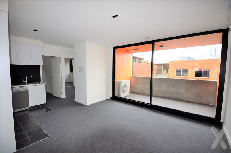 PRIVATE INSPECTION AVAILABLE - ONE MONTH FREE RENT - Superbly Finished In Wonderful West Melbourne!