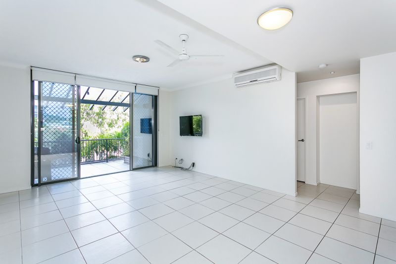 STYLISH UNIT IN CENTRAL ROBINA LOCATION