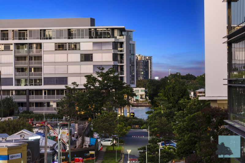 TIGHTLY HELD & SPACIOUS BOWEN HILLS TERRACE HOME FOR SALE!>