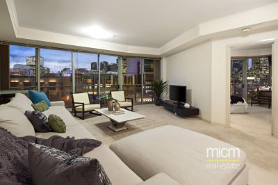 Impressive CBD Views and Excellent Internal Space!