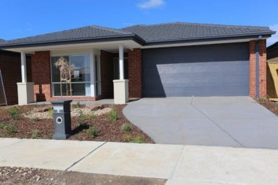 Brand New Single Level 4 Bedroom House in a Great Location with a Lifestyle to Enjoy!