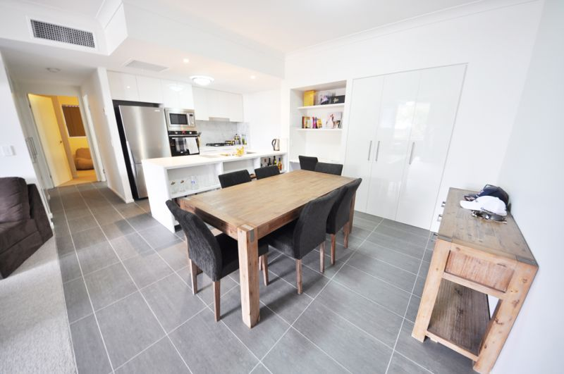 Fully Furnished, Short Term, Spacious Apartment>