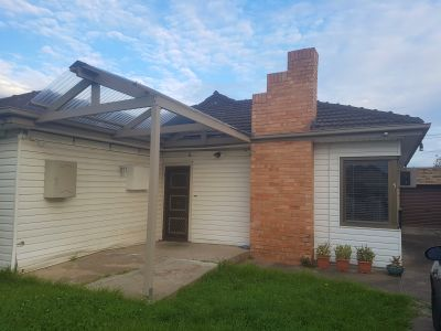 4 bed 2 bath double lock up garage and large yard