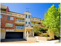 MODERN TWO-BEDROOM APARTMENT IN RANDWICK