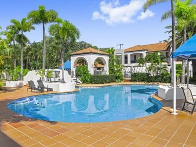 Villa offering resort style living in ultra-popular Nobby Beach