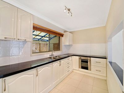 Light filled terrace home moments to the Broadwater