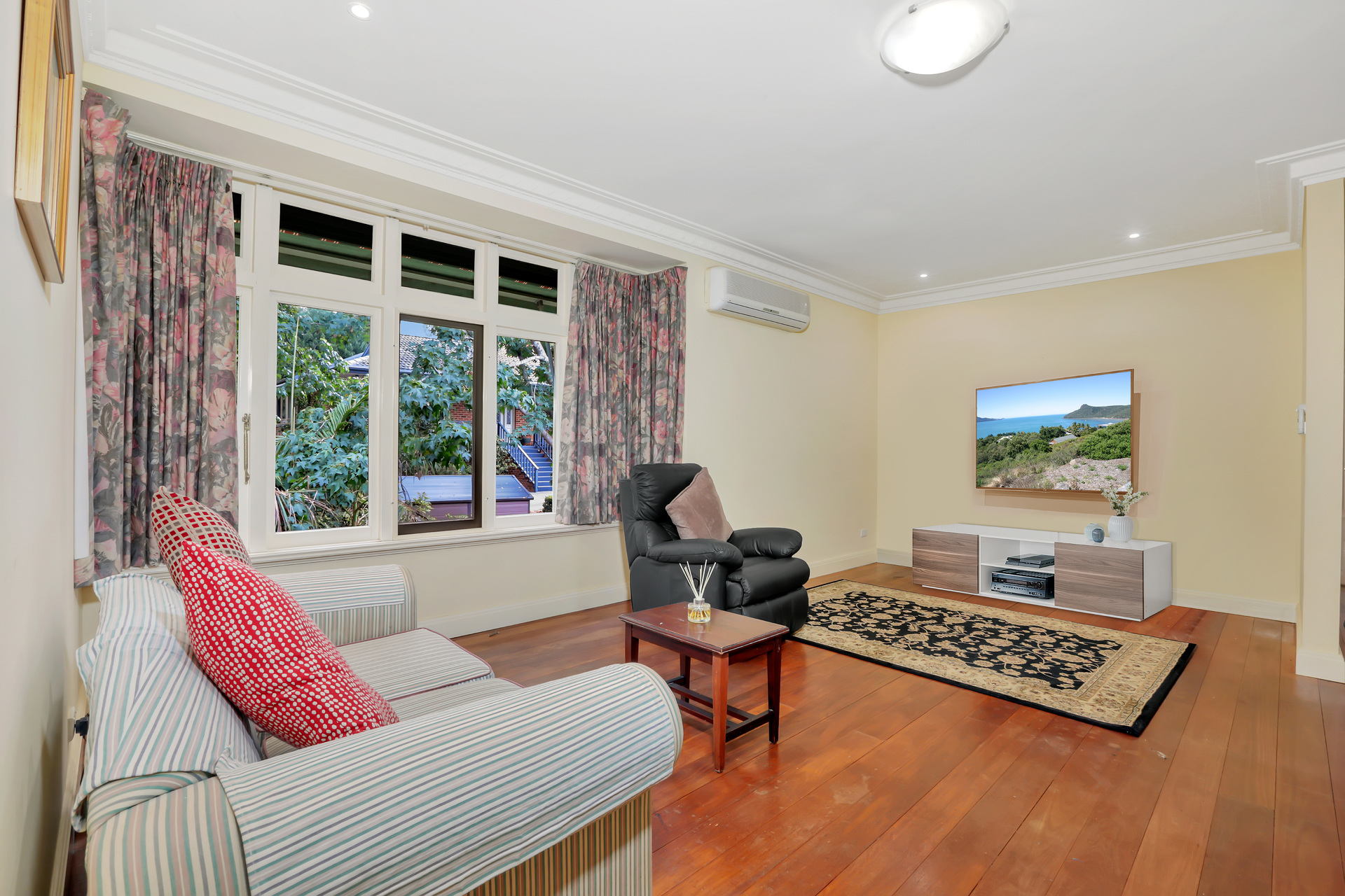 Winmalee 10-14 Falkland Close