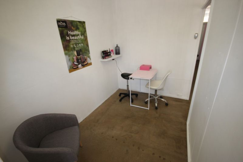 Beauty Salon - Available in May