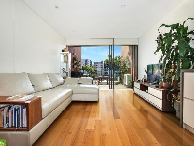 Stylish, Spacious and Well Presented Apartment