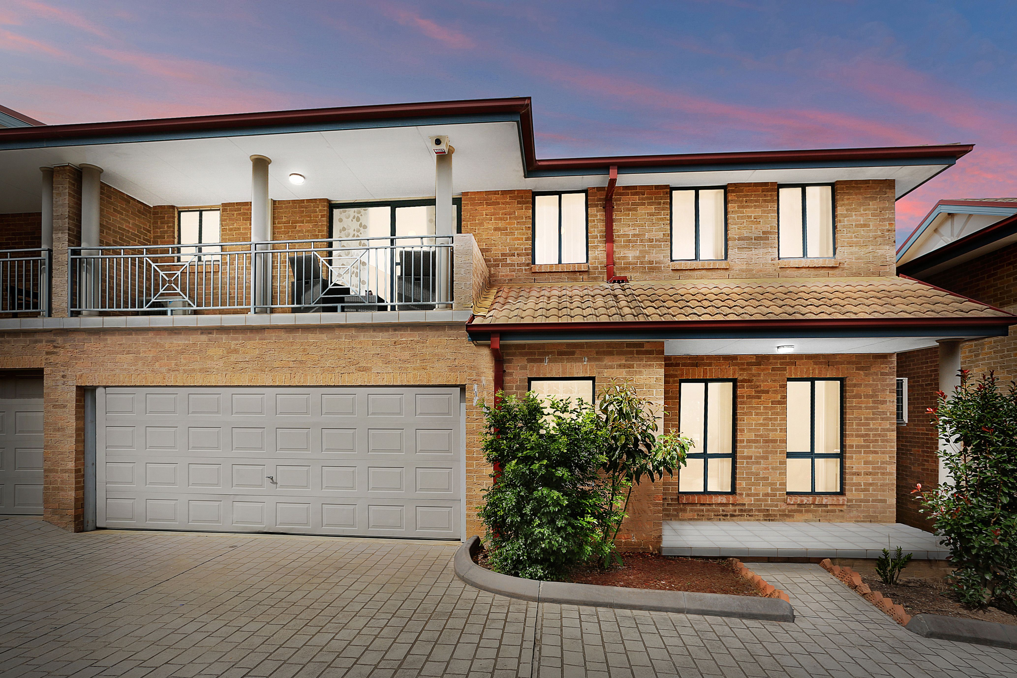 3/16a Balmoral Crescent, Georges Hall NSW 2198