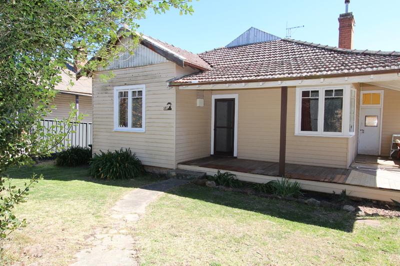 Weatherboard Cottage in Central Location