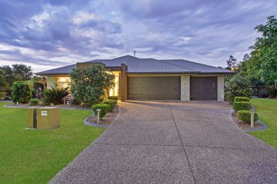 THE PERFECT FAMILY HOME ON 2001M2 BLOCK - RIVERSTONE CROSSING