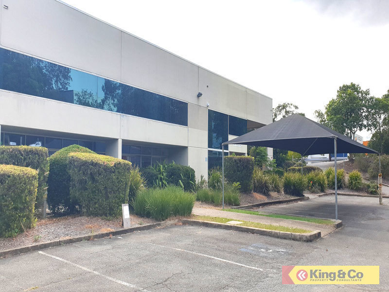 CENTRALLY LOCATED OFFICE