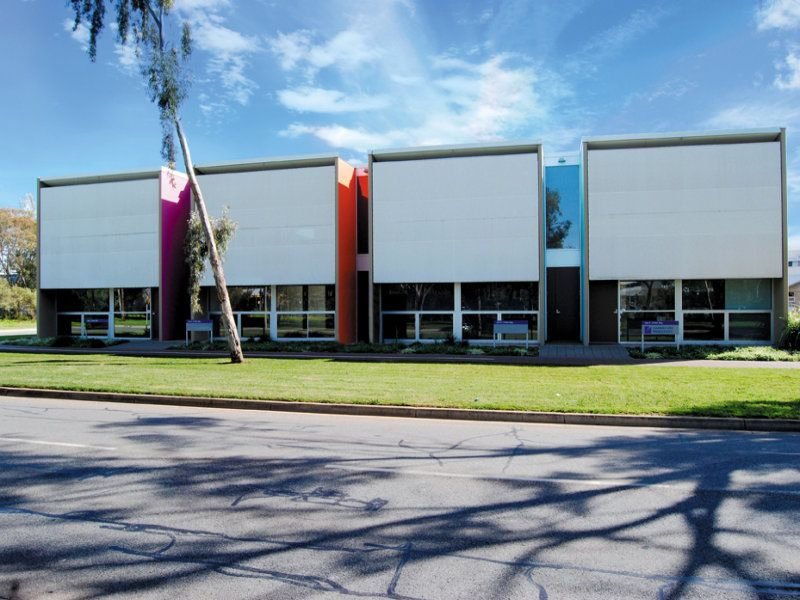 Office investment - new 5 year lease to Toll Transport