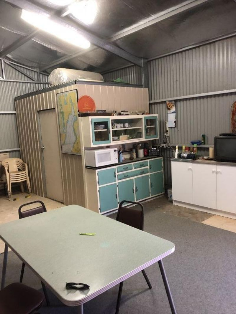 For Sale By Owner: 117A Fisherman Bay Road, Port Broughton, SA 5522