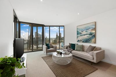 Inspired 'Array' Living in the Exclusive Yarra's Edge
