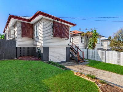 Beautifully Renovated Family Home - Pet Friendly