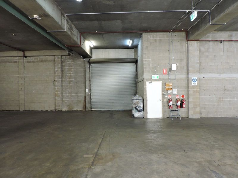 WELL PRESENTED HIGH CLEARANCE INDUSTRIAL PREMISES