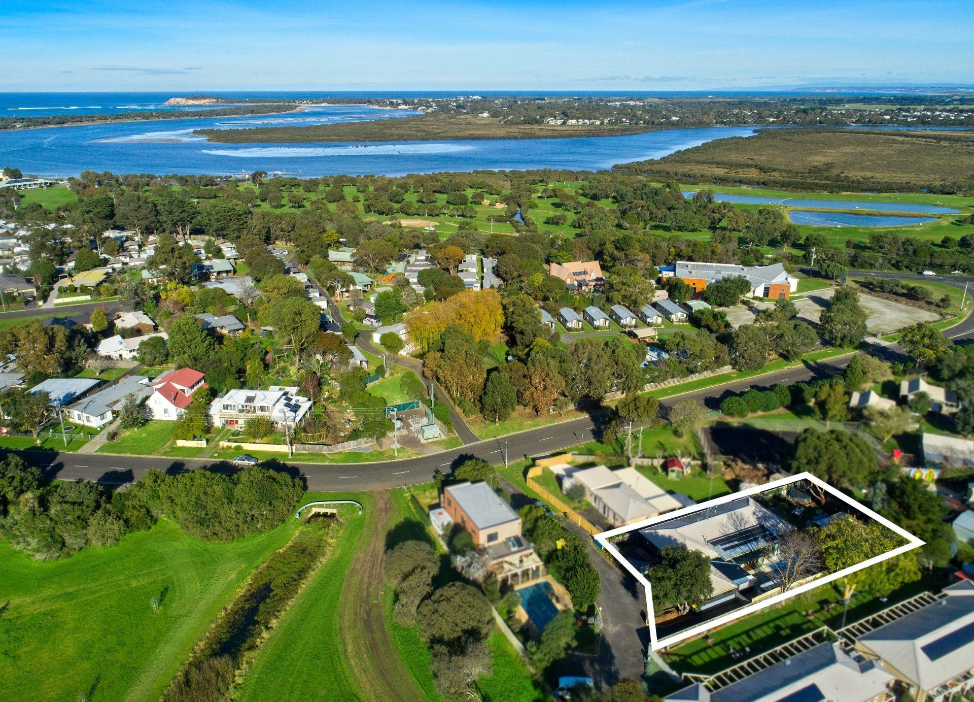 2/17 Lake Avenue, Ocean Grove VIC 3226