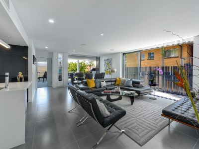 The Pinnacle of Quality & Location- Designer Apartment