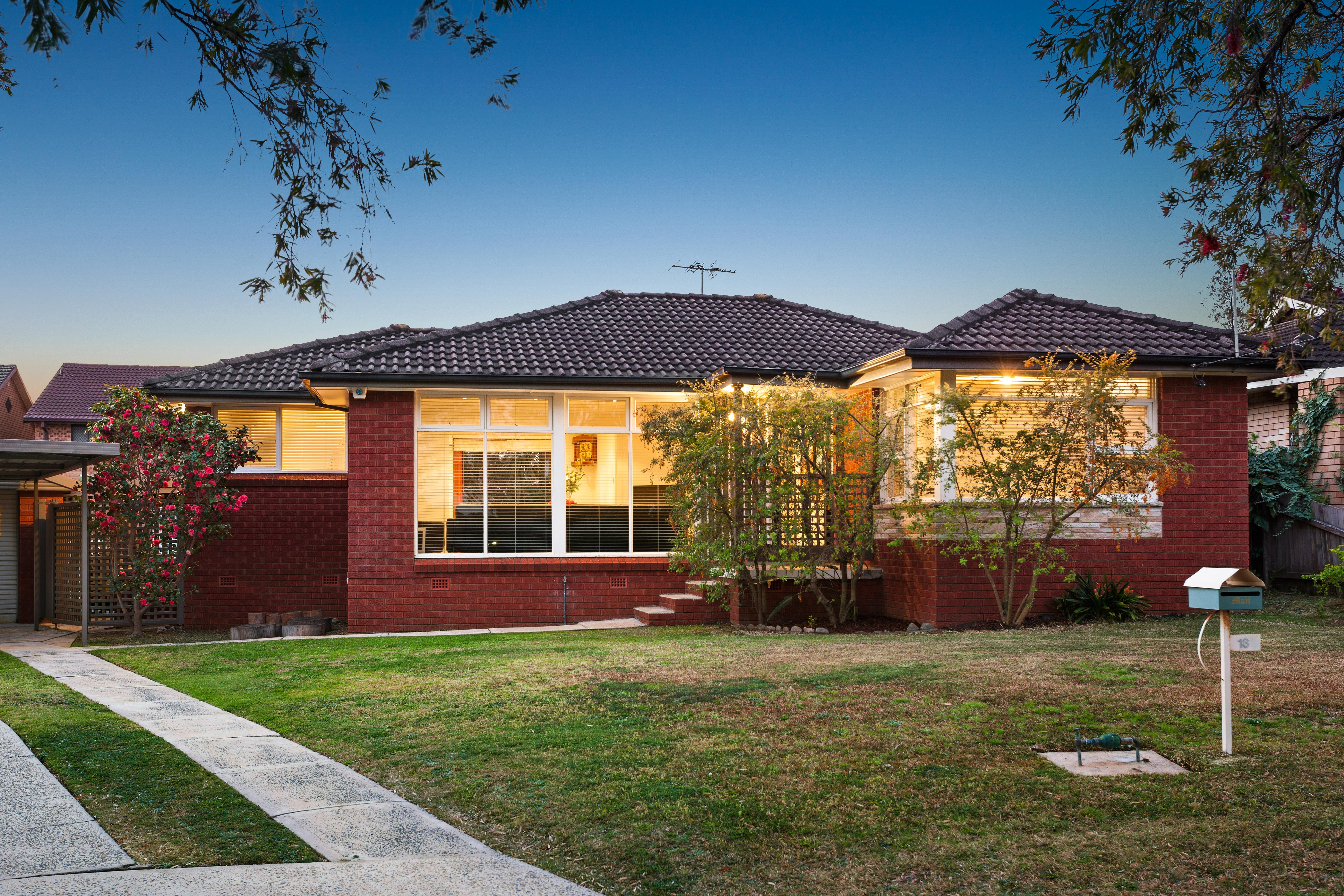 13 Universal Avenue, Georges Hall NSW 2198