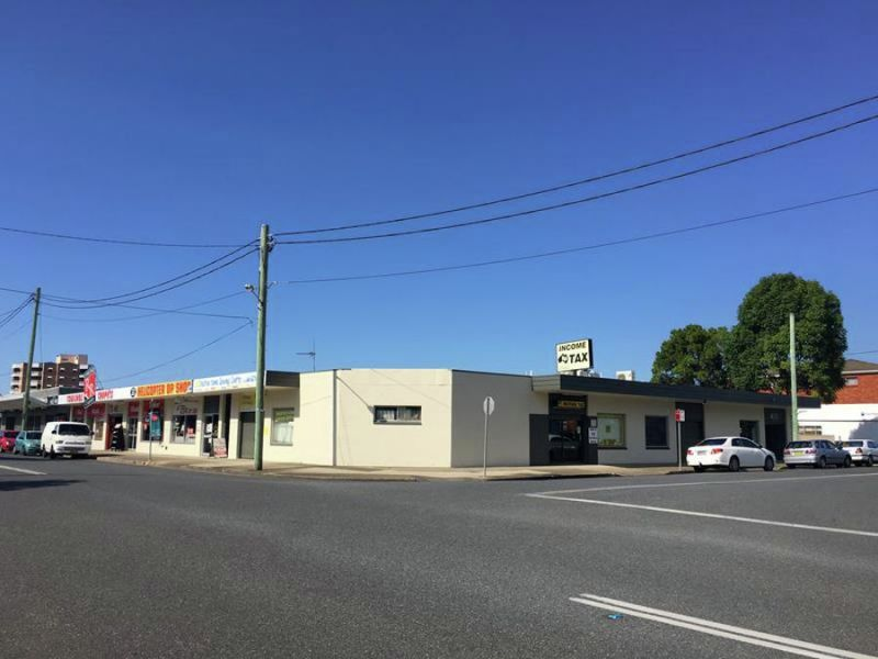 Shop Front Exposure On Busy Intersection Only Minutes Walk To Main Street Of Coffs Harbour...