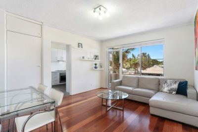 Charming Modern Two Bedroom Apartment