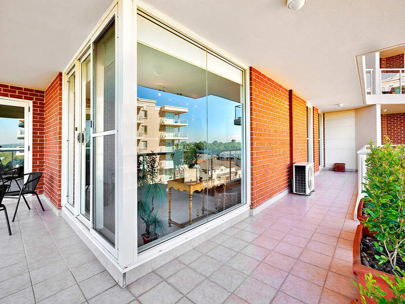 703/6 Wentworth Drive, Liberty Grove