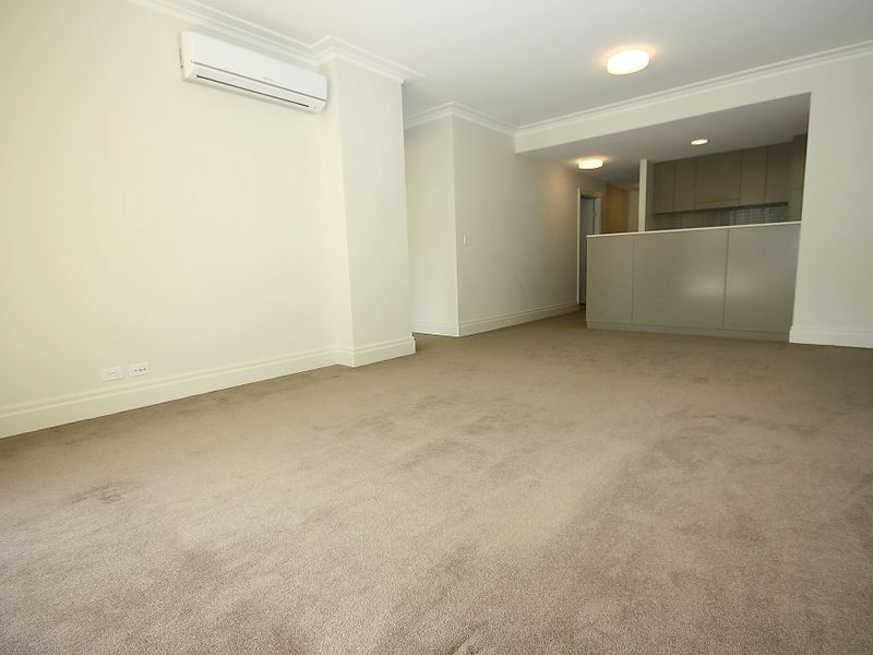 17/1 Rosewater Circuit Breakfast Point 2137