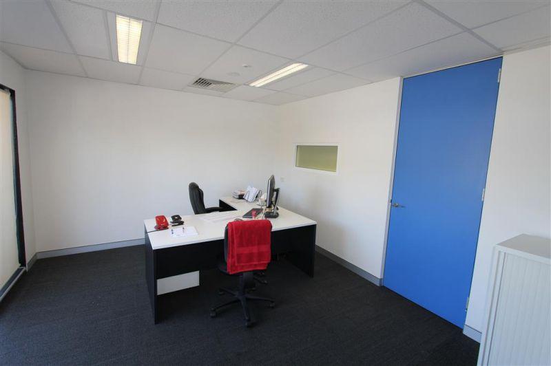 409M² OFFICE & SHOWROOM