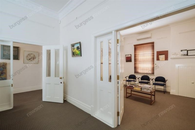 Sought After McCourt Street Consulting Rooms