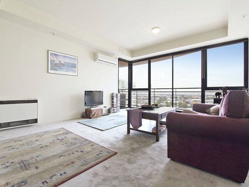 Royal Flagstaff: 10th Floor - Vogue Living At Its Best!